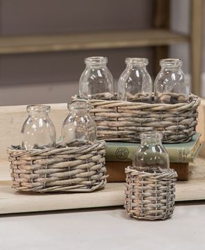 Picture of Wicker Basket with Two Bottles