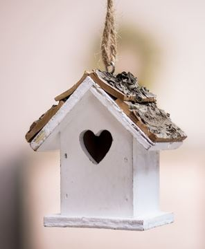 White Heart Birdhouse