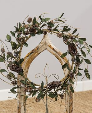 Picture of Silver Frosted Pinecone and Leaf Wreath