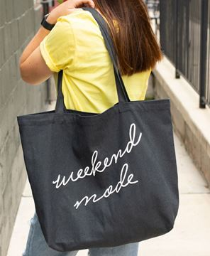 Picture of Weekend Mode Tote