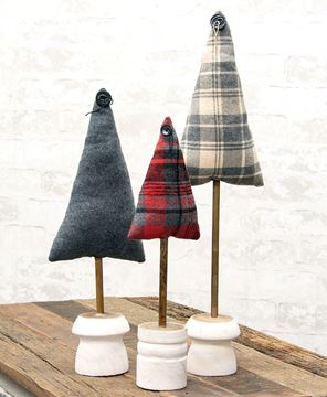 """Picture of Gray Plaid Fabric Tree 20"""""""